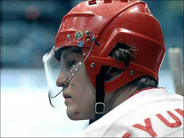 хоккеист Виктор Тюменев