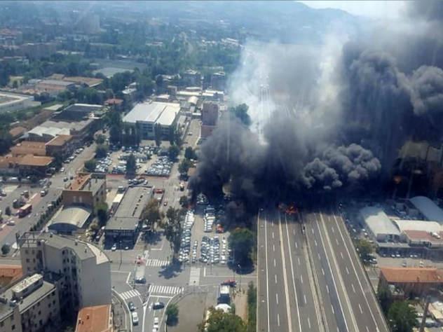 взрыв на дороге в Италии