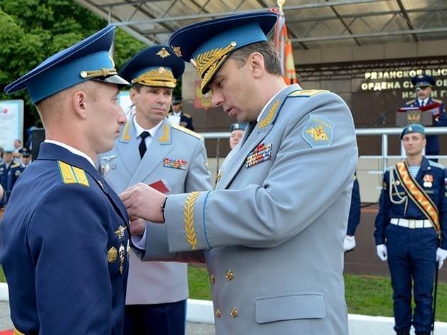 Российские студенты смогут получить звание без службы в армии