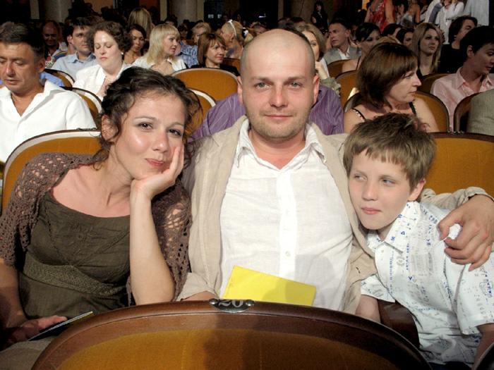 Полина с первым мужем Иваном и их сыном Петей