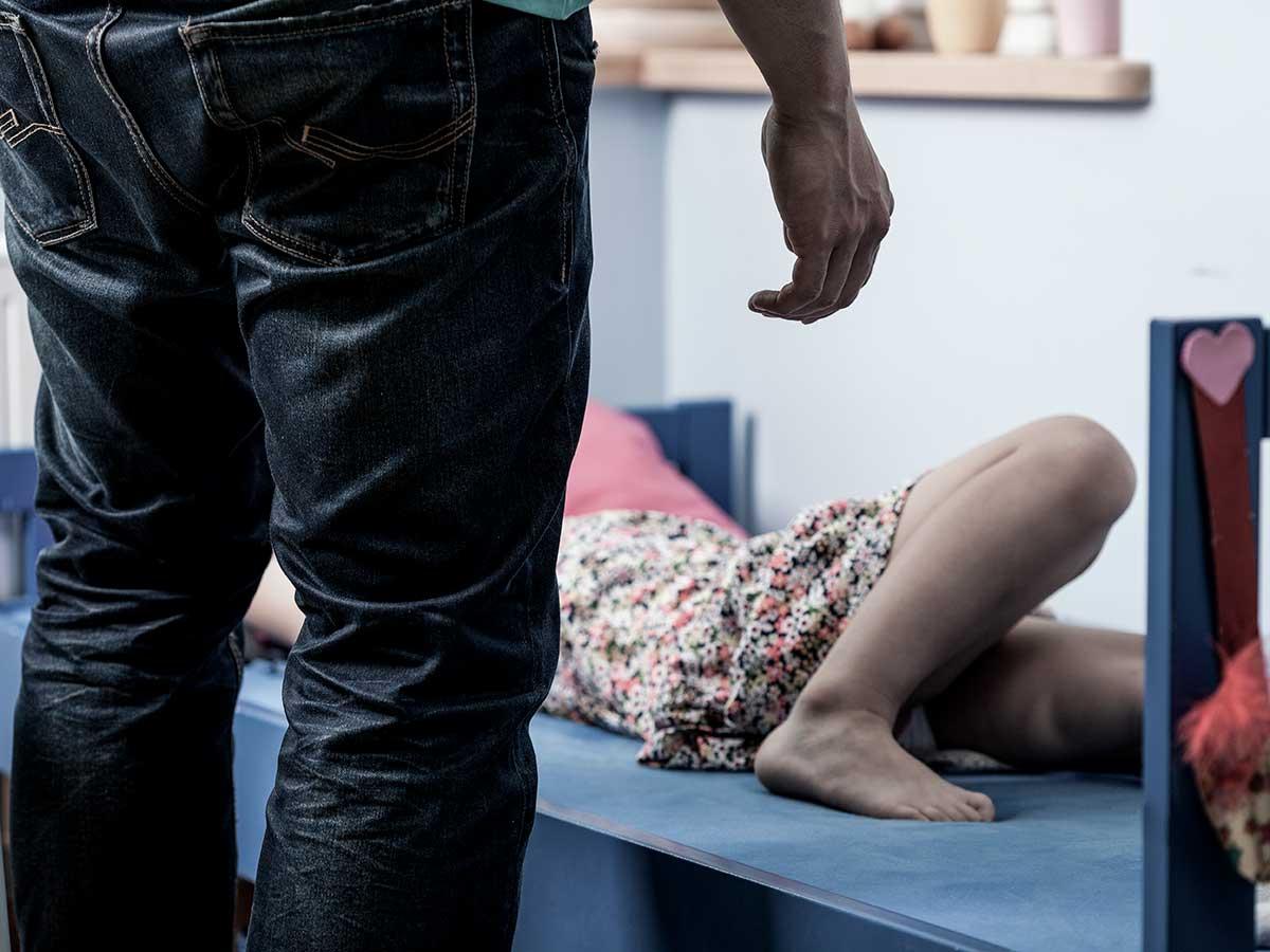 Парень три часа резал и избивал 23-летнюю студентку в Кемерове