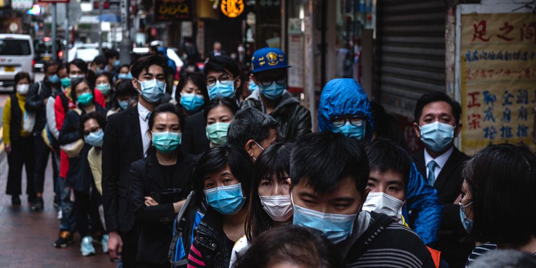 За сутки из больниц Китая выписались почти 1800 человек, переболевших коронавирусом