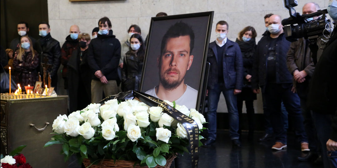 Церемония прощания с ведущим НТВ Александром Колтовым
