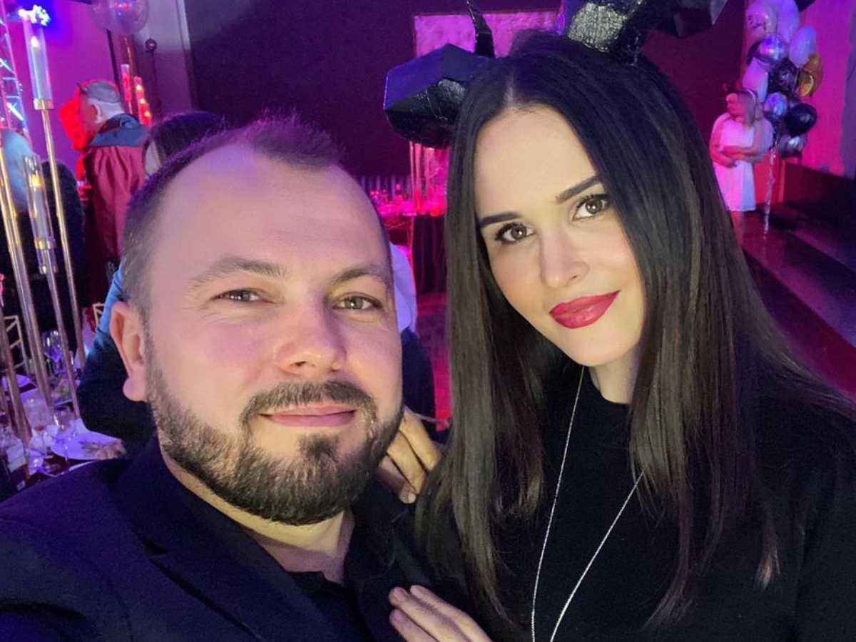 Певец Ярослав Сумишевский похоронил жену